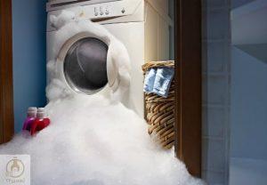 استفاده بیش از حد از مواد شوینده و مشکل در بسته شدن درب علت نشت آب از ماشین لباسشویی است